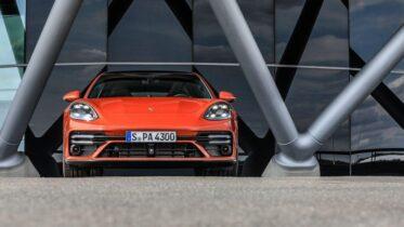 danh gia xe porsche panamera 2021 xesang net 4 373x210 - Đánh giá xe Porsche Panamera 2021 – Nâng cấp nhẹ, sẵn sàng đối đầu Mercedes AMG GT